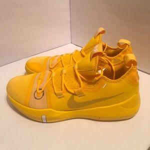 New Nike Kobe A.D. TB Yellow Men 13.5
